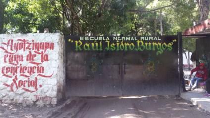 """Escuela Normal Rural """"Raúl Isidro Burgos"""","""