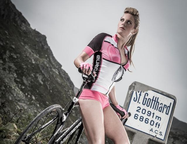 Sexy-Cycling-Calendar-Swiss-2015-19