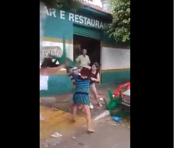 brasil hombre golpeado