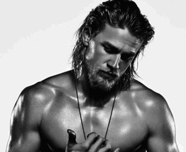lumbersexuales_rs_634x782-130903113619-634.Charlie-Hunnam-Mens-Fitness6.mh.090313