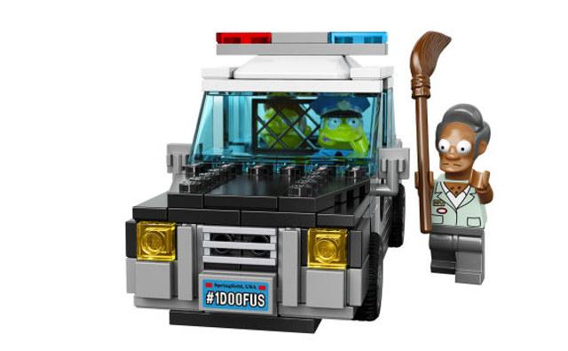 lego-simpsons-kwik-e-mart-4