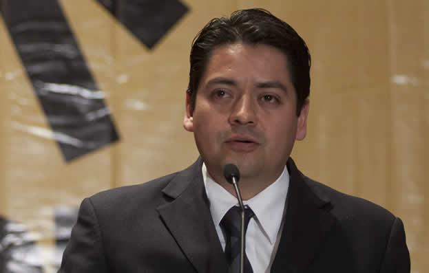 Alejandro-Fernández-Ramírez