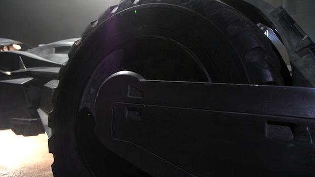 batmobile-extended-broll00-00-12-12still003-132528