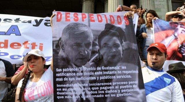 Manifestantes piden la renuncia del presidente de Guatemala
