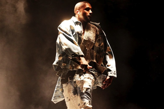 Kanye-West-performing-on-The-Pyramid-Stage
