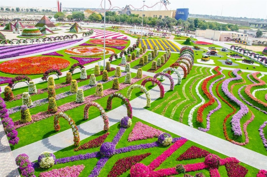 And-who-could-forget-Dubai's-Miracle-Garden-the-largest-flower-garden-in-the-world