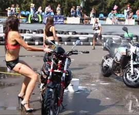 Motocicleta-Mujer-Sexy-