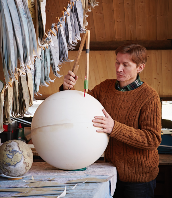 One-of-the-Worlds-Only-Globe-Making-Studios-Celebrates-the-Ancient-Art-of-Handcrafted-Globes2__880