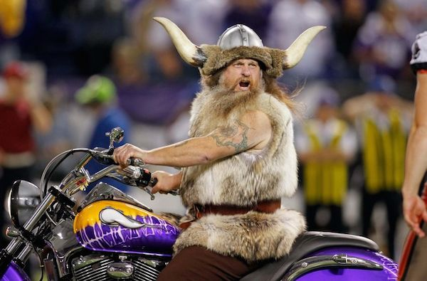 Ragnar-MinnesotaVikings-Mascotas-NFL