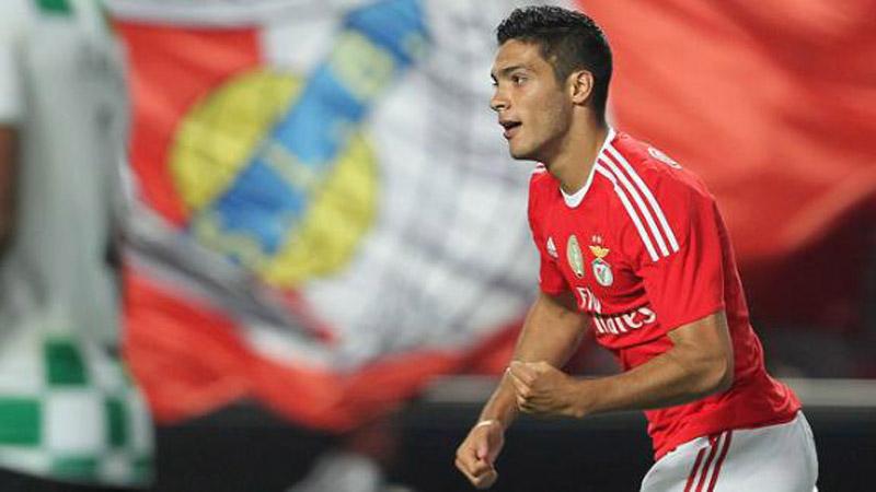 VIDEO: Raúl Jiménez se estrena como goleador del Benfica