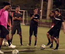 Ronaldinho-rabona-CroosbarChallenge