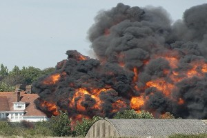 PLANE CRASH SHOREHAM AIRPORT - HAWKER HUNTER CRASHED