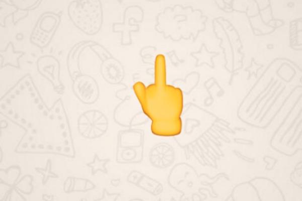 Finalmente llega a WhatsApp el emoji del dedo medio
