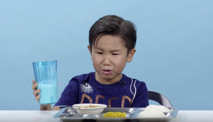 Niños prueban comida de otras partes del mundo y así reaccionan