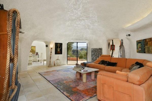 45-berryessa-way_living-room