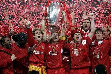 SOCCER Liverpool_Trophy 1
