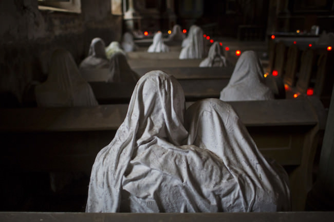 Scary-church-sculptures-650x433