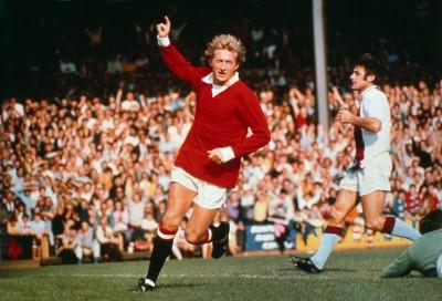Football Denis Law (Utd) celebrates United's goal. Crystal Palace v Manchester United. 11/09/1971 Credit : Colorsport