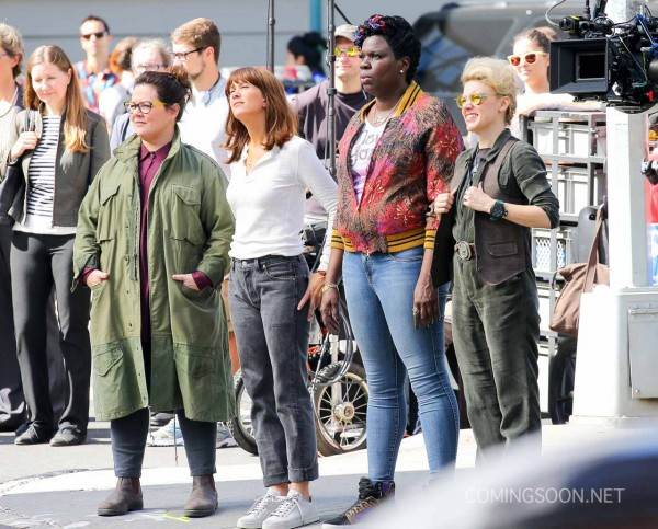 "Melissa McCarthy, Kristen Wig, and Kate McKinnon On Set For New ""Ghostbusters"" Movie"