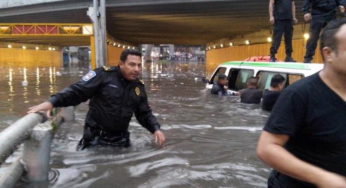 Inundaciones en el DF por la lluvia más intensa de los últimos 30 años