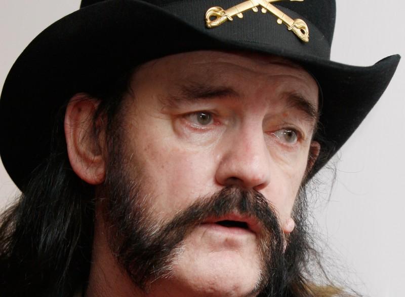 """Lemmy concluye concierto de Motörhead después de tres rolas: """"No puedo hacerlo"""""""