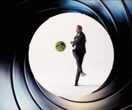 Iniesta James Bond