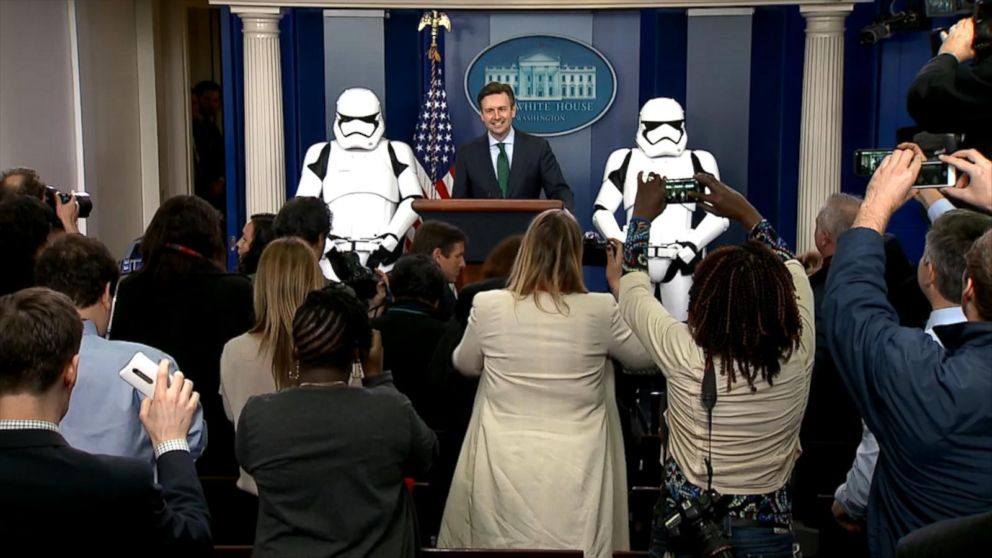 151218_pol_obama_stormtroopers_16x9_992