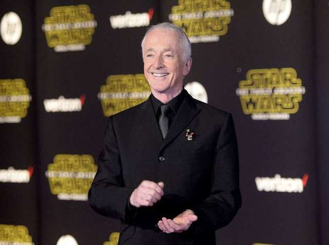 """Actor Anthony Daniels arrives at the premiere of """"Star Wars: The Force Awakens"""" in Hollywood, California December 14, 2015. REUTERS/Kevork Djansezian"""