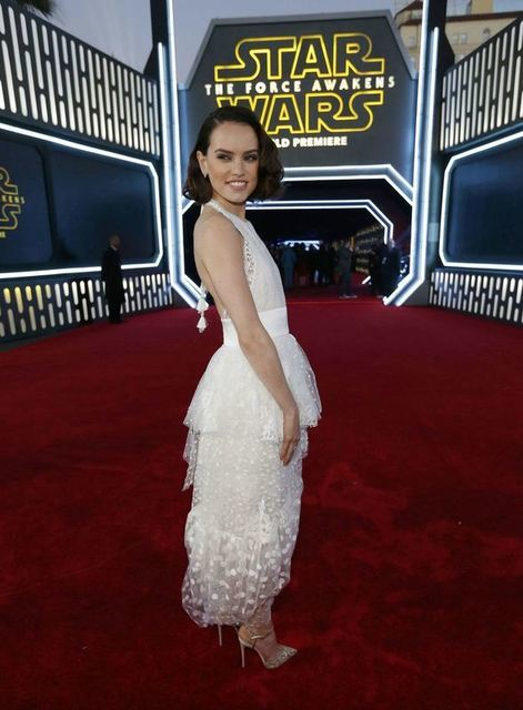 """Actress Daisy Ridley arrives at the premiere of """"Star Wars: The Force Awakens"""" in Hollywood, California December 14, 2015. REUTERS/Mario Anzuoni"""