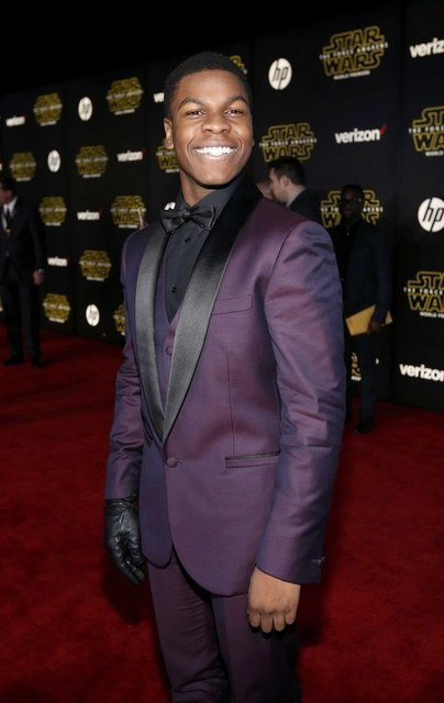 """Actor John Boyega arrives at the premiere of """"Star Wars: The Force Awakens"""" in Hollywood, California December 14, 2015. REUTERS/Mario Anzuoni"""