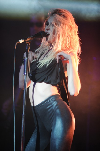 FORT LAUDERDALE, FL - SEPTEMBER 27: Taylor Momsen of The Pretty Reckless performs at Revolution on September 27, 2013 in Fort Lauderdale, Florida. (Photo by Larry Marano/Getty Images)