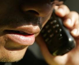 ESTAFAS POR TELEFONO - HABLANDO POR TELEFONO