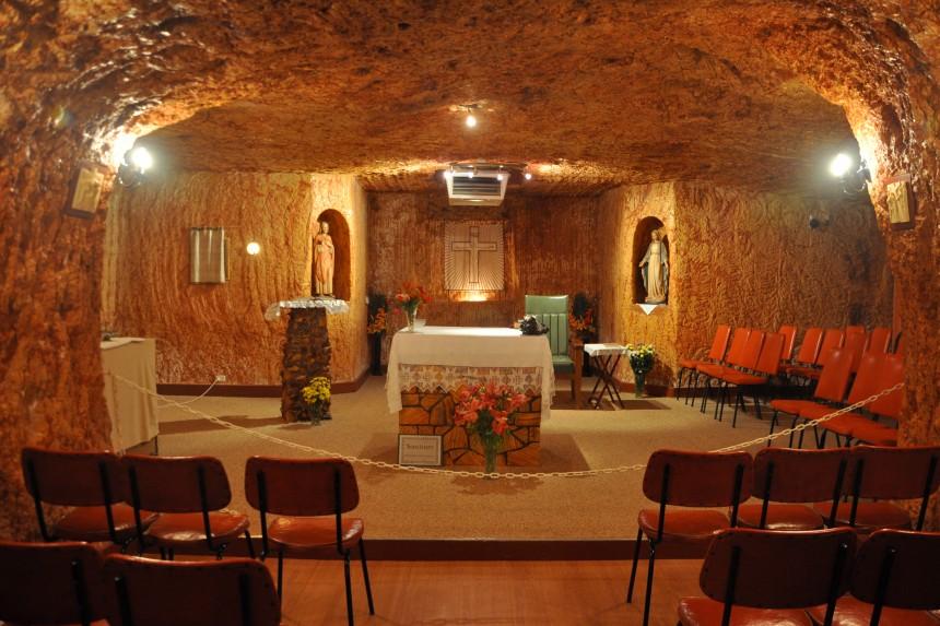 022Coober-Pedy-underground-church