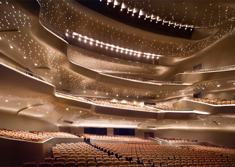 Guangzhou-Opera-House_Zaha-Hadid_Virgile-Simon_dezeen_784_6