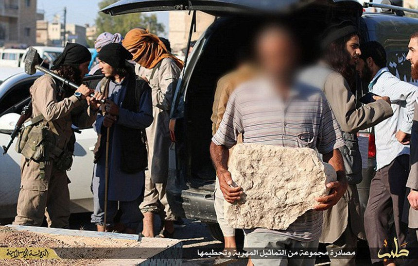Isis-destroy-Palmyra-statues
