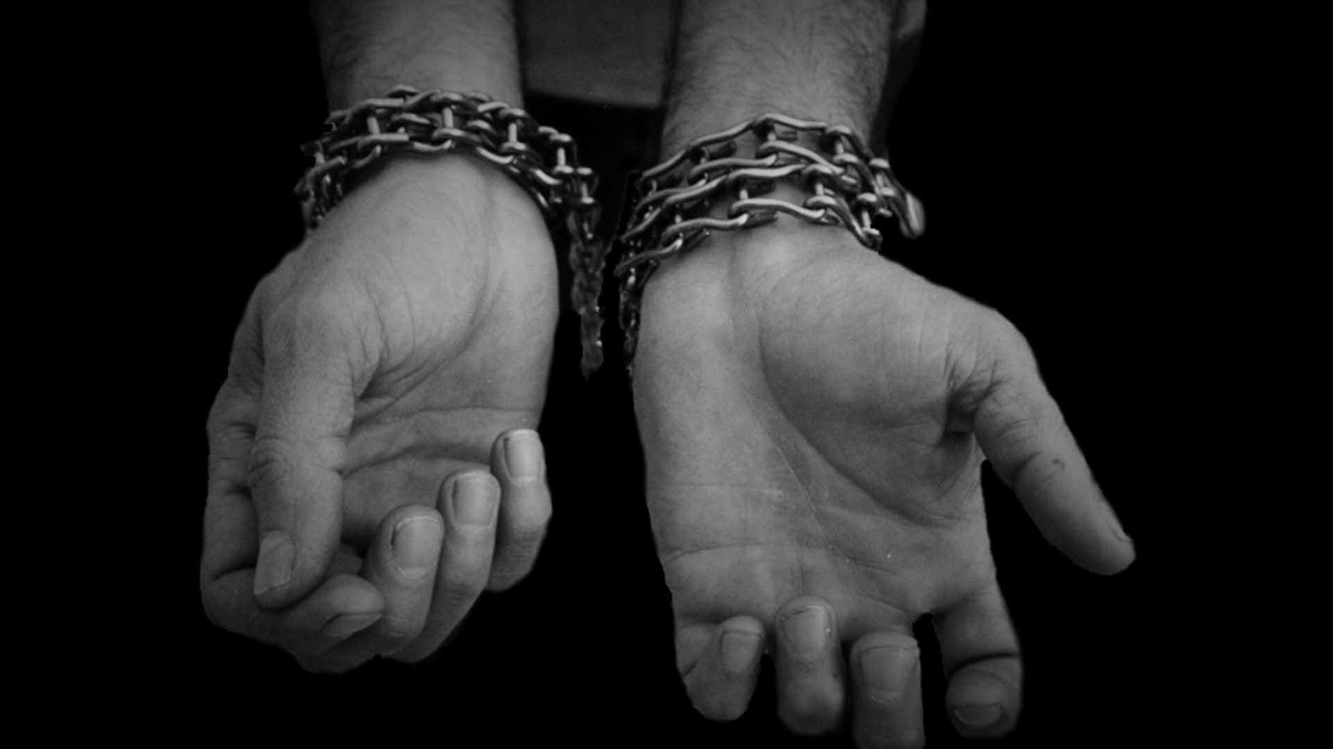El porno tortura a los esclavos