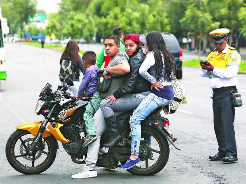 Motocicleta-Hoy-No-circula-DF