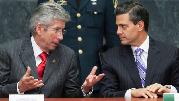 Gerardo Ruiz Esparza (SCT) y Enrique Peña Nieto