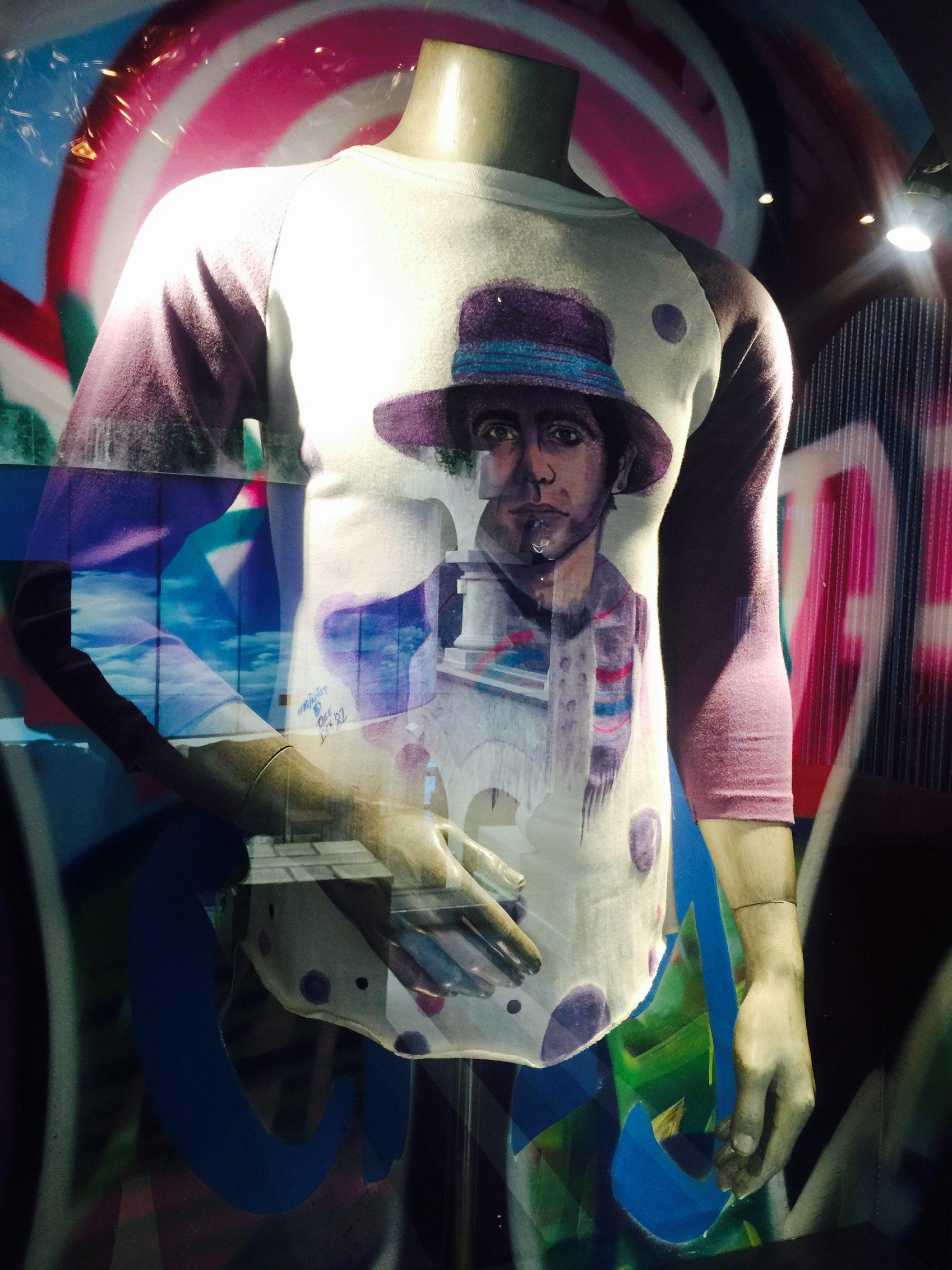 60627174. Playa del Carmen, QRoo., 27 Jun. 2016 (Notimex-Armando Pereda).- Más de 350 piezas y artículos que pertenecieron a Elvis Presley, Madonna, Prince, The Beatles, Elton John, Slash, Shakira, Fergie, Will.i.am y más celebridades, conforman la memorabilia del Hard Rock Hotel de la Riviera Maya. NOTIMEX/FOTO/ARMANDO PEREDA/COR/ACE/