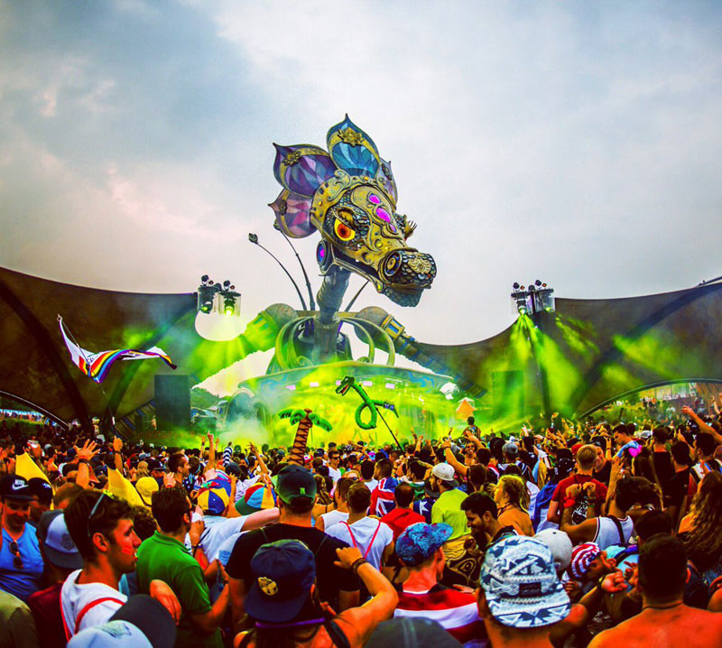 Tomorrowland-2016-1-Dragon-Escenarios