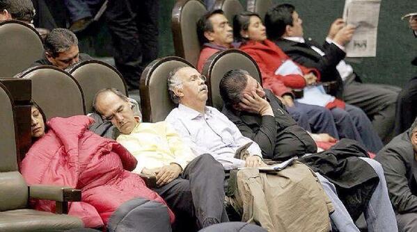 Legisladores Durmiendo