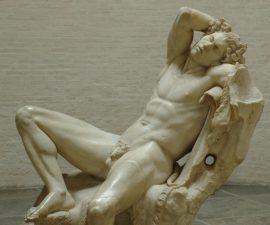 escultura griega pene pequeno