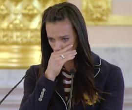 yelena isinbayeva llorando