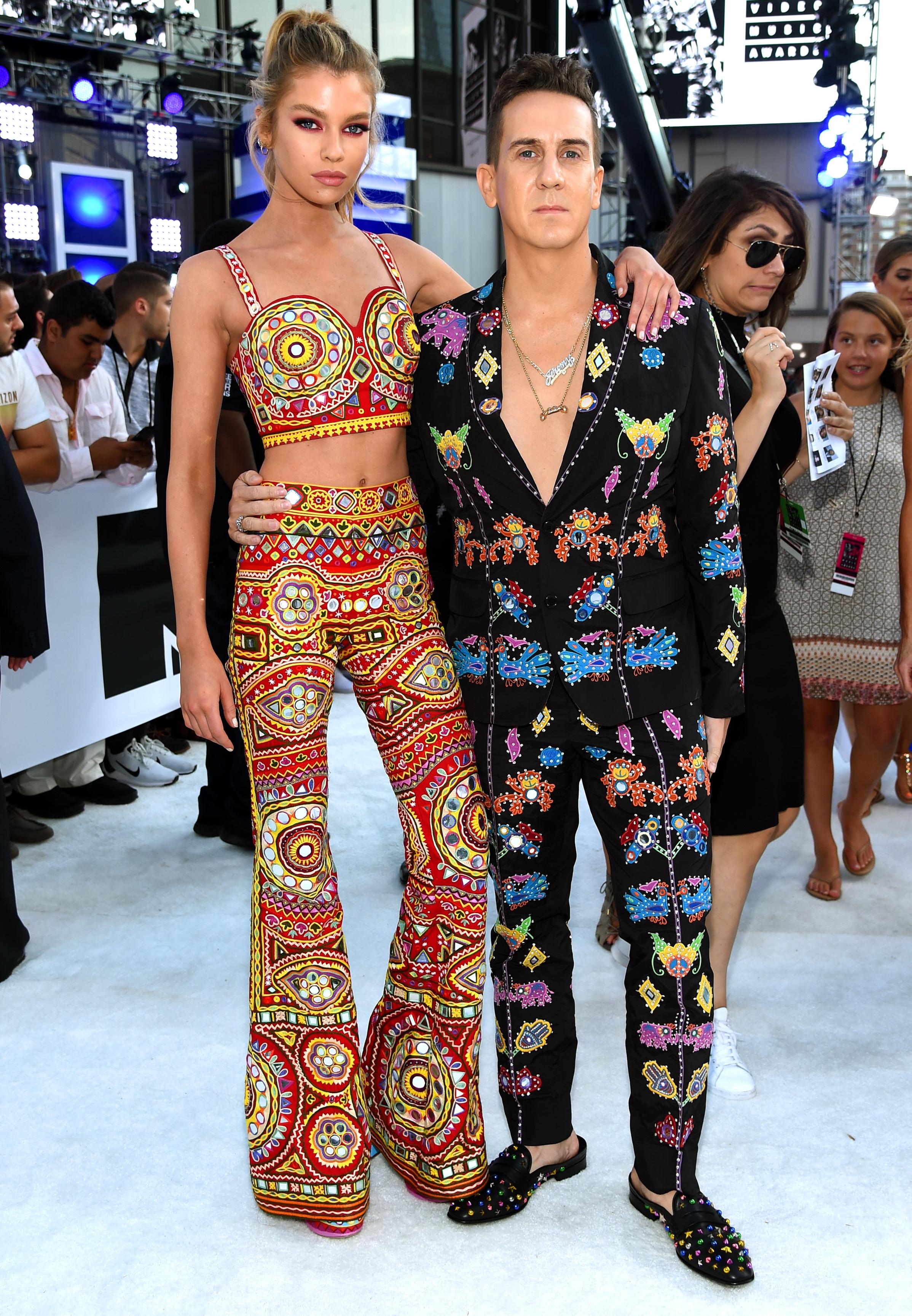 Stella-Maxwell-Jeremy-Scott-Outfit-VMA-Crop