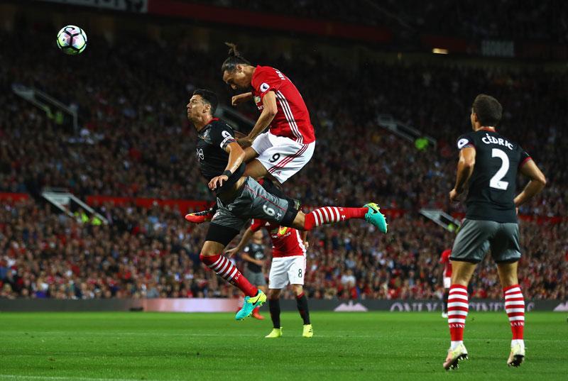 Zlatan-Ibrahimovic-Gol-Southampton-1