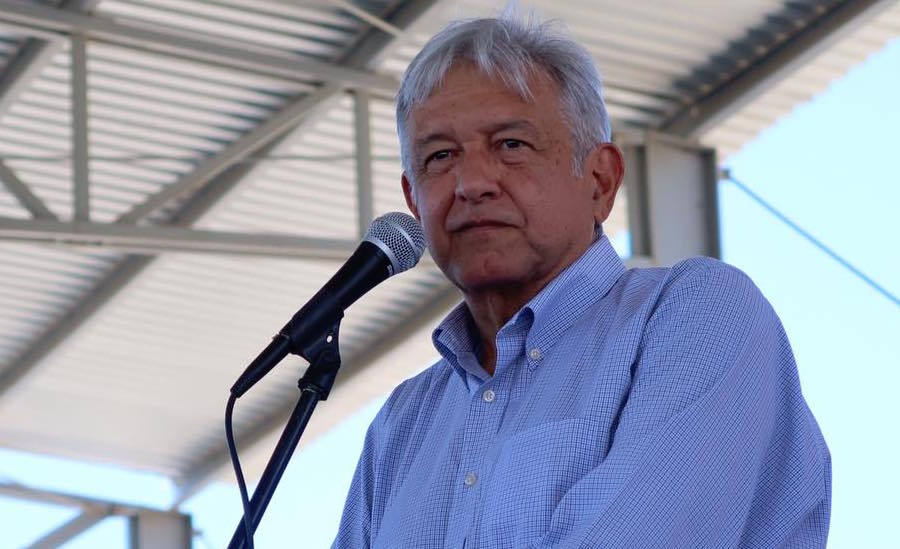 La UP crea grupo para revisar la tesis de Peña Nieto