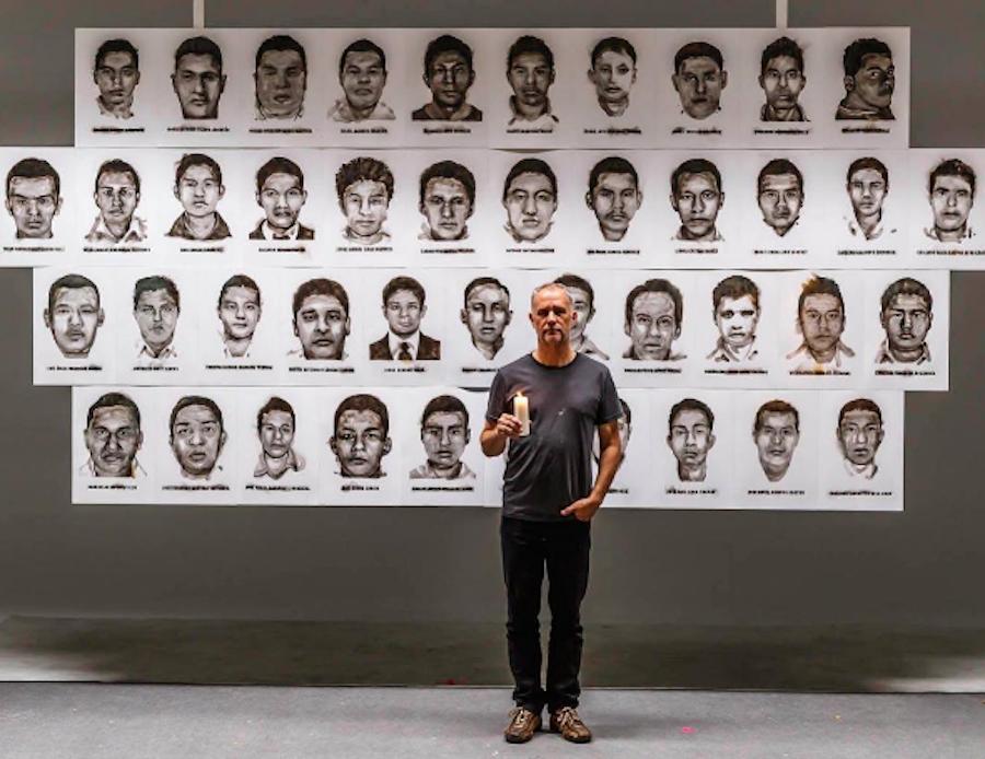 artista-normalistas-ayotzinapa-fuego-steven-spazuk