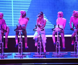 NEW YORK, NY - AUGUST 28:  Ariana Grande (C) performs onstage during the 2016 MTV Video Music Awards at Madison Square Garden on August 28, 2016 in New York City.  (Photo by Michael Loccisano/Getty Images)