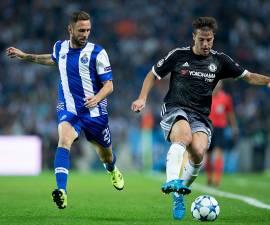 Miguel Layún y Jesús Corona anotaron un gol cada uno en la victoria del Porto en contra de la Roma en los playoffs de la Champions League