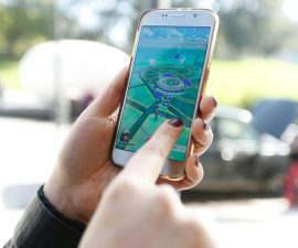 BUENOS AIRES, ARGENTINA - AUGUST 04:  A woman plays Pokemon Go on her smartphone as Pokemon Go craze hits Argentina on August 03, 2016 in Buenos Aires, Argentina. (Photo by Gabriel Rossi/LatinContent/Getty Images)